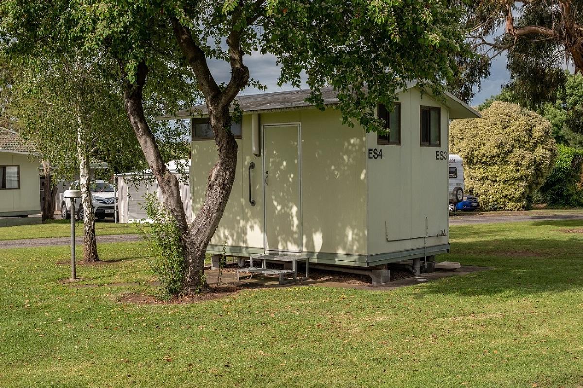 Ensuite Powered Site | Pine Country Caravan Park Caravan Park